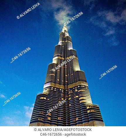 Burj Khalifa, formerly the Burj Dubai Dubai Tower, the tallest tower in the world at 818m, Dubai City, Dubai, United Arab Emirates, Middle East
