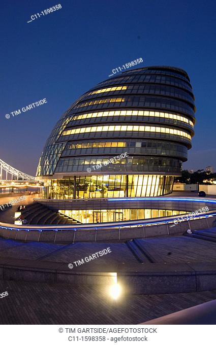 mayor of londons office building city hall at night england uk