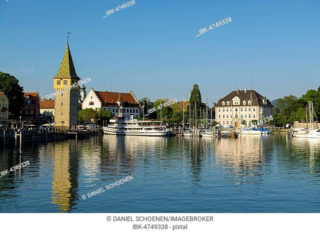 Harbor with Mangturm tower, Lindau, Lake Constance, Bavaria, Germany
