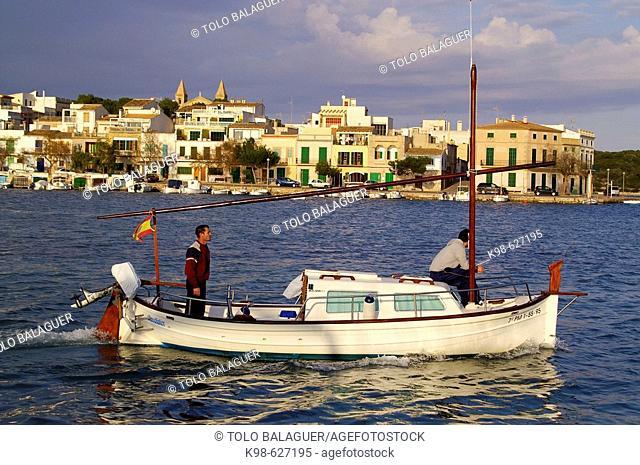 Fishermen. Porto Colom. Felanitx. Comarca de Migjorn. Mallorca. Baleares. Spain.