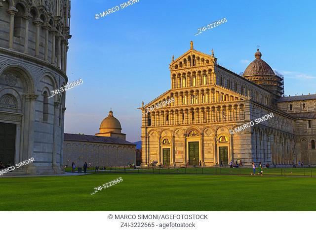 The Cathedral of Pisa and Baptistery, Pisa, Tuscany, Italy, Europe