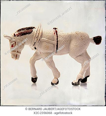 Old white cart horse figurine - art-effect image