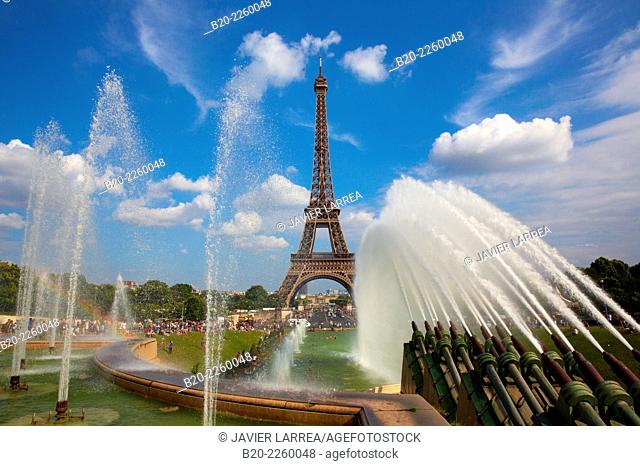 Jardins du Trocadero. Eiffel tower. Paris. France
