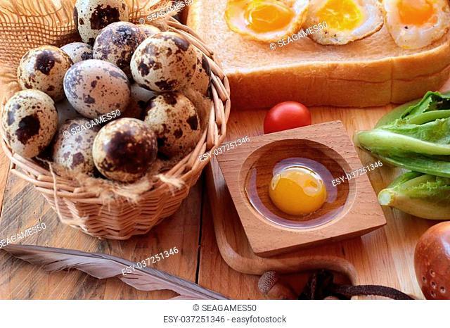 Quail eggs and fried quail eggs of delicious