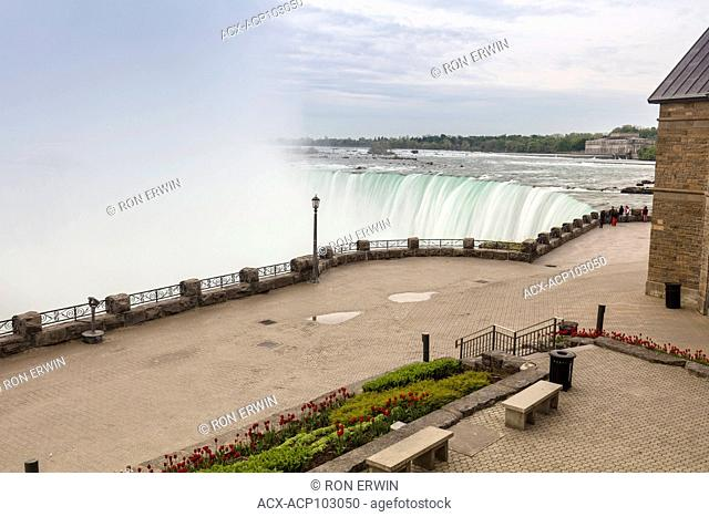 Brink of the Canadian Horseshoe Falls, Niagara Falls, Queen Victoria Park, Ontario, Canada