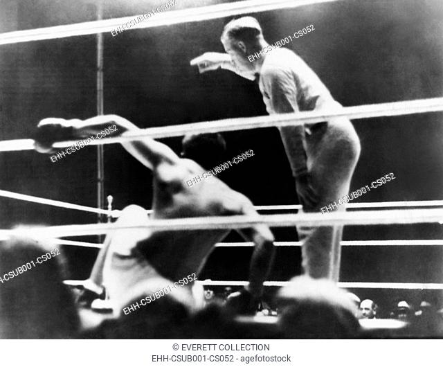 'Long Count Fight', the Gene Tunney-Jack Dempsey boxing match of Sept. 22, 1927. Tunney downed by Dempsey in the 7th round