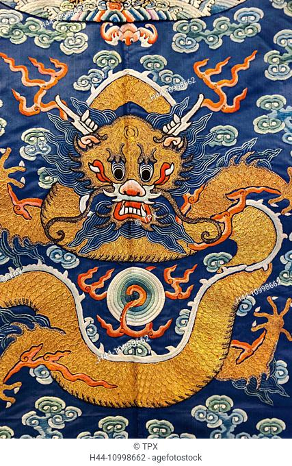England, London, Kensington, Victoria and Albert Museum aka V&A, The China Room, Depiction of a Dragon on a Festive Robe dated 1856-1908