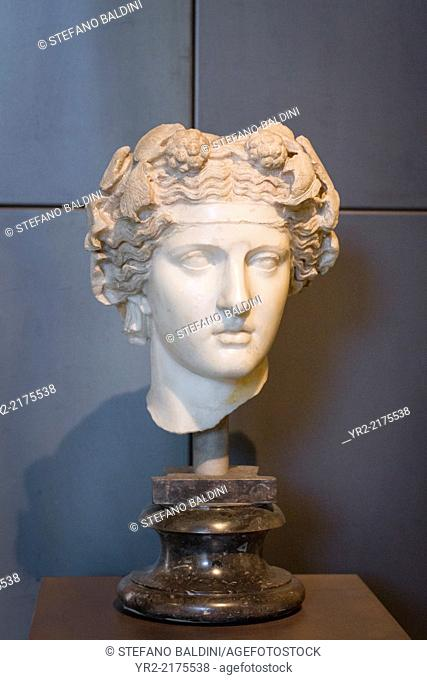 Head of Dionysus, M.C. inv 1129, pentelic marble, from the Horti Lamiani, Capitoline museums, Rome, Italy