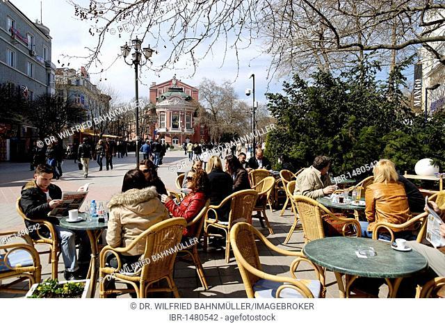 Pl. Nezavisimos, theatre, opera house, Varna, Bulgary, Europe