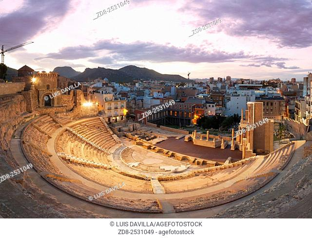 The discovery and excavation of the Roman Theatre of Cartagena is one of the most surprising archaeological discoveries of the city.