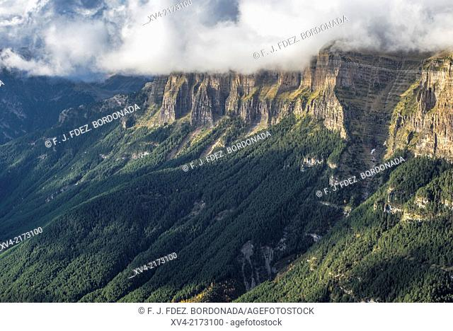 Panoramic views of gorge and pics with fog forest into the Ordesa an Monte Perdido National Park, Sobrarbe, Huesca Pyrenees, aragón, Spain