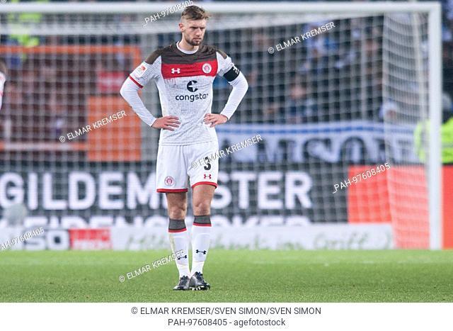 Lasse SOBIECH (Pauli) ist frustratedriert, Frust, gefrustratedet, disappointed, entt-uscht, Entt-uschung, Enttaeuschung, traurig, Fussball 2