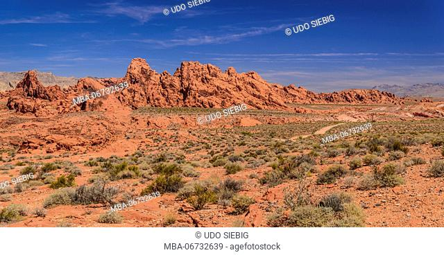 The USA, Nevada, Clark County, Overton, Valley of Fire State Park, rock formations on the White Domes Scenic Byway