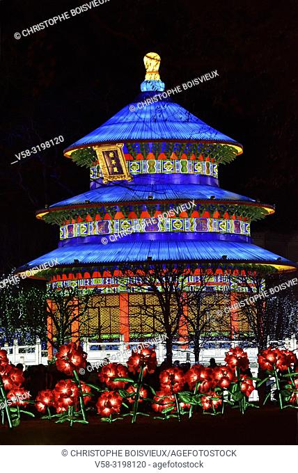 France, Tarn, Gaillac, Festival des lanternes (Chinese Lantern Festival), Illuminated Temple of sky. . The festival celebrates Chinese culture originating from...