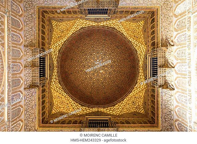 Spain, Andalusia, Seville, Real Alcazar, Palacio Mudéjar listed as World Heritage by UNESCO, Salón de Embajadores, doma