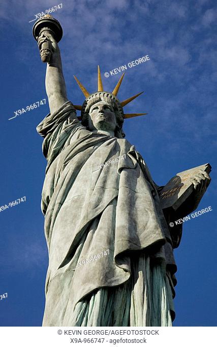 Statue of Liberty, River Seine, Paris, France, Europe