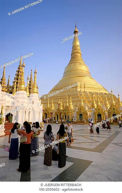 ASIA, MYANMAR, BURMA, BIRMA, YANGON, YANGOON, SHWEDAGON PAGODA, one of the most famous buildings in Myanmar and Asia - YANGON, MYANMAR, 31/03/2010
