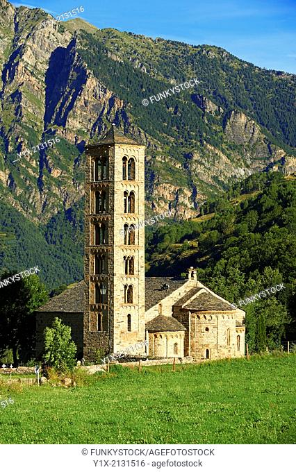 The twelth century Catalan Romanesque Church of Saint Climent in Taull, Vall de Boi, Spain. A UNESCO World Hertigae site and one of the best exapmles of...