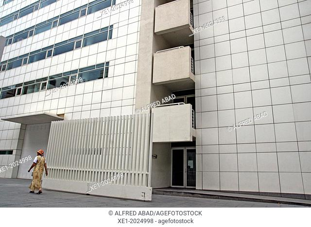 Museum of Contemporary Art, MACBA, 1995, arch. Richard Meier, Barcelona, Catalonia, Spain