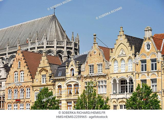 Belgium, West Flanders, Ypres or Ieper, Saint Martin's Cathedral and the buildings around the Cloth Hall of Ypres or Ieper in Dutch van Lakenhalle built between...