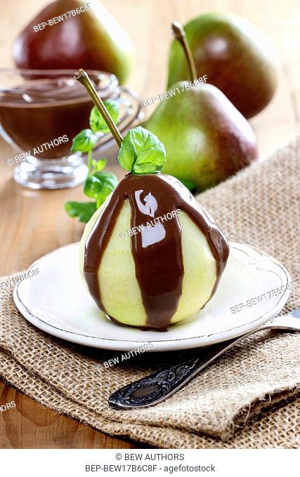 Pears with chocolate sauce