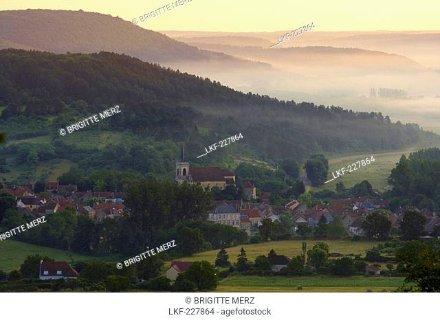 St. James church in the morning, The Way of St. James, Chemins de Saint Jacques, Via Lemovicensis, Asquins, Dept. Yonne, Burgundy, France, Europe