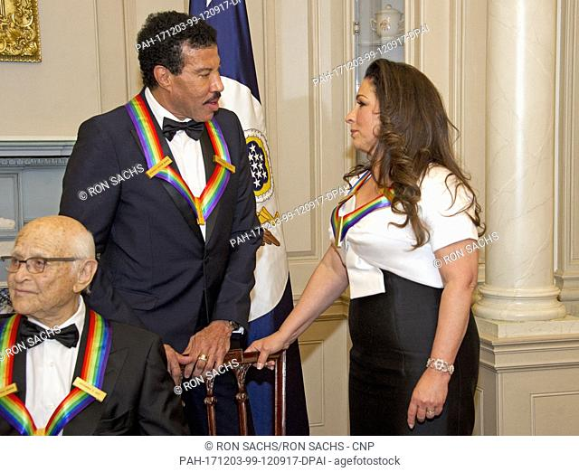 Lionel Richie And Gloria Estefan Two Of The Five Recipients 40th Annual Kennedy Center Honors Converse After Posing For A Group Photo Following