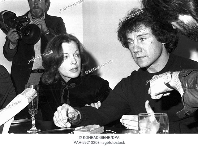Press conference with actors Romy Schneider and Harvey Keitel at the Film Festival in Berlin on 24 February 1980. | usage worldwide. - Berlin/Germany