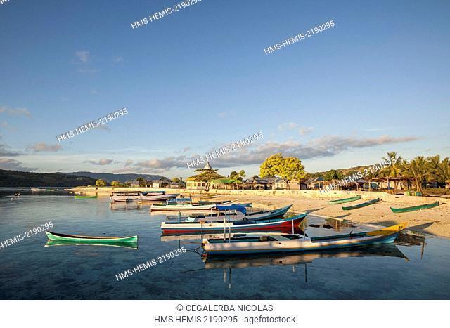 Indonesia, Lesser Sunda Islands, Alor archipelago, Kangge Island, sunrise on Kangge harbor