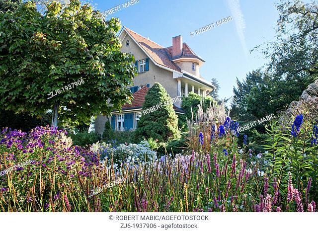 House and garden, Karl Foerster Garden Potsdam Bornim Germany
