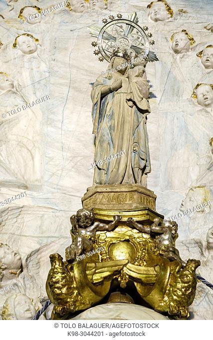 imagen de la Virgen, que desde el siglo XV era venerada en el santuario, iglesia de la Mare de Déu de Sant Salvador, siglo XVIII, Santuario de Sant Salvador