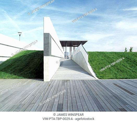 THAMES BARRIER PARK, LONDON, SE18 WOOLWICH, UK, PATEL TAYLOR ARCHITECTS, EXTERIOR, DECKING AND RAMP