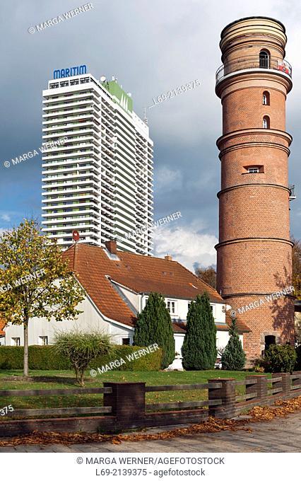 Historic lighthouse (1539) and Hotel Maritim, Lübeck-Travemünde, Germany
