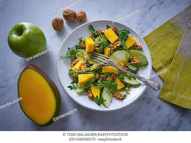 Arugula mango and apple salad healthy for heart