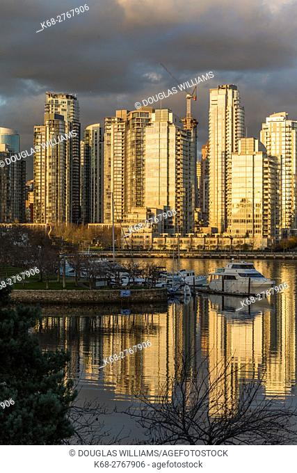 Canada, British Columbia, Vancouver, Reflection at sunset on False Creek