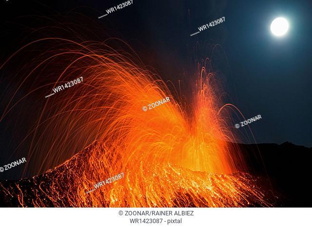 Huge Full moon eruption volcano Stromboli erupting