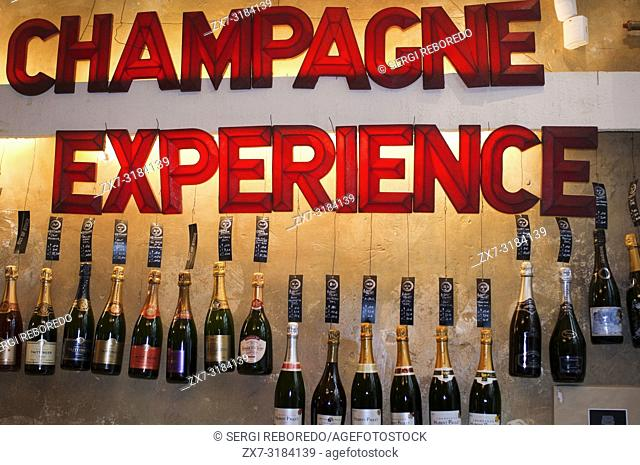 Champagne Experience restaurant, Brussels, Belgium. In Belgium they have begun to proliferate windows offering desgustar the best wines and champagnes