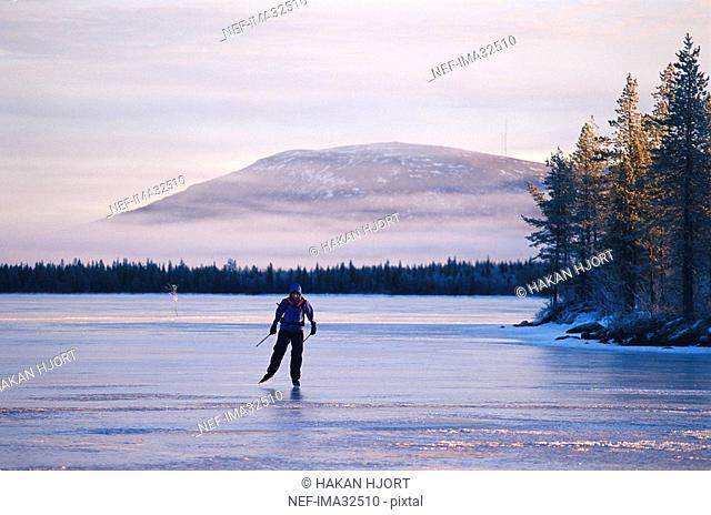 A long-distance skater
