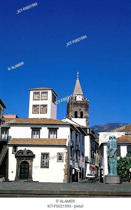 Portugal, Madeira, Funchal, city hall and church of Colegio