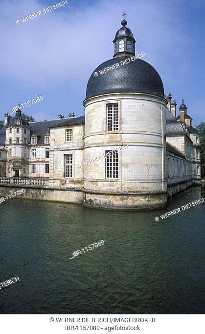 Chateau de Tanlay, water castle with a moat, Burgundy, France, Europe