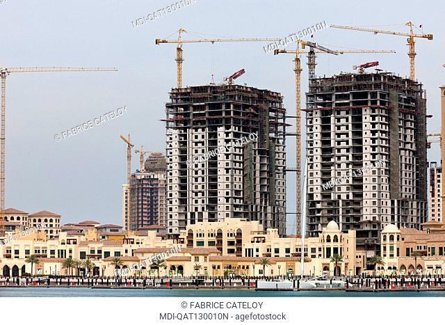 Qatar - Doha - The Pearl - Porto Arabia - La Croisette - Complex under construction