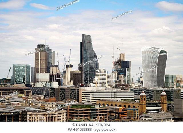 England: Skyline view of the City of London - as seen from Tate Modern. Photo from 05. May 2017. | usage worldwide. - London/England/United Kingdom of Great...