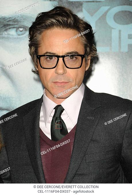 Robert Downey Jr. at arrivals for UNKNOWN Premiere, Village Theatre in Westwood, Los Angeles, CA February 16, 2011. Photo By: Dee Cercone/Everett Collection