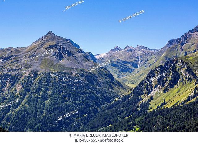 View on Maloja Pass, Piz Duan, 3131 m, Gletscherhorn, 3983, Piz Turba, 3018 m, Upper Engadine, Engadine, Maloja region, Canton of Grisons, Switzerland