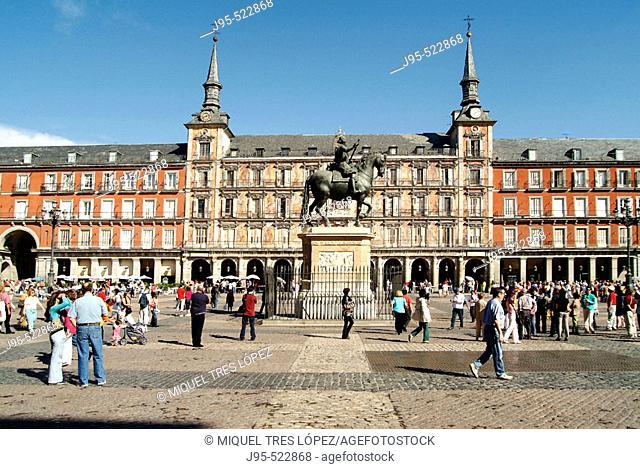 'Casa de la Panadería' and Felipe III statue in Plaza Mayor. Madrid. Spain