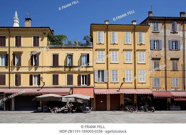 Italy, Emilia Romagna, Modena, Colourful Architecure near Piazza Grande