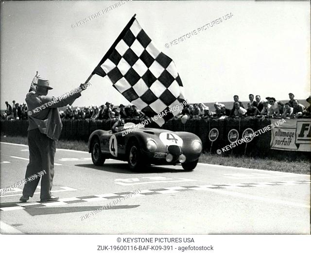 1956 - Miss Whitchead driving a Jaguar win the 12 hours of Rheims; Twenty eight competitors on the 12 hours of Rheims Whitehead Walker, driving a Jaguar 31