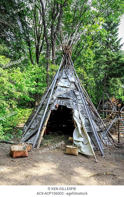 Native encampment of the Ojibwa or Cree, First Nations People, Fort William Historical Park, Thunder Bay, Ontario, Canada
