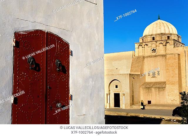 Tunez: Kairouan  Medina Rue Ali Bey