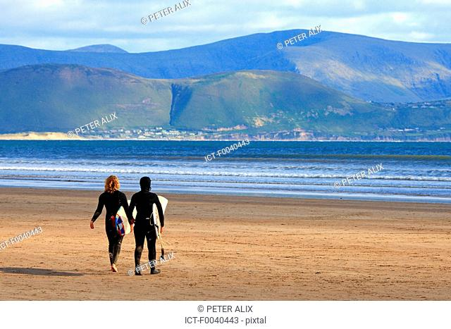 Ireland, County Kerry, Dingle peninsula, Inn beach